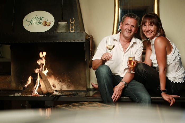 Slideshow Foto 1: Entspannen Sie in gemütlicher Atmosphere bei Gasthof-Restaurant Dorfschmiede